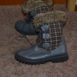 Khombu Gray Plaid Faux Fur Lined Winter Boot 10M
